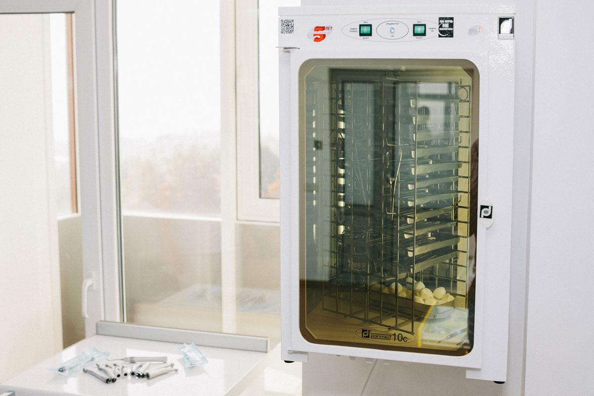Ультрафіолетові камери для зберігання інструментів - стоматолог Житомир
